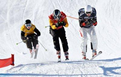 阿尔谢尼耶夫市运动员DENCHIKOV·SEMEN在滑雪自由式获得过世界杯冠军