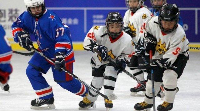 哈尔滨举办俄中青少年运动会 俄冰球队以14:0获胜