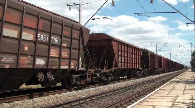 一位外国人试图乘坐货运列车前往俄罗斯